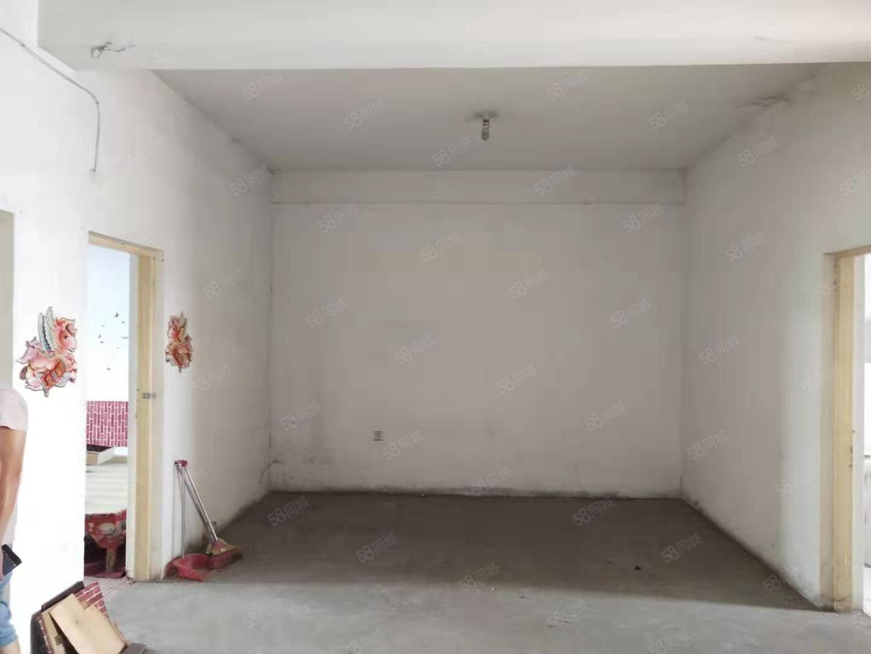 塔前小區,純毛坯,105平底價38萬,可改三室,可隨時看房!