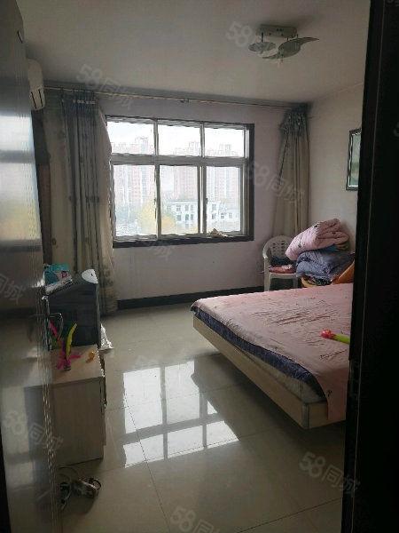 送储藏室送阁楼的燕京花园四室两厅两卫
