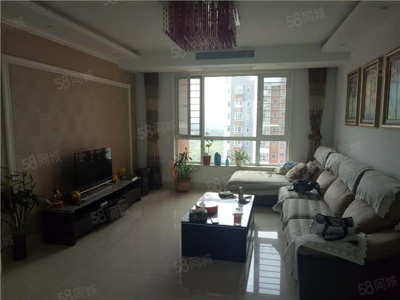 文博苑好楼层精装120万3室2厅2卫138平送车储