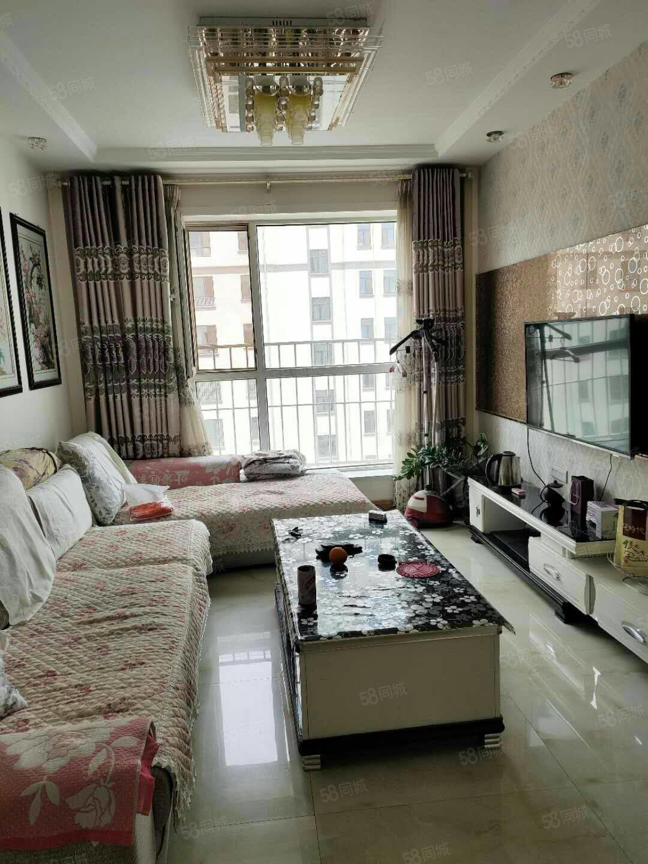巨龙东区2013年建小高二室二厅白色精装地暖房