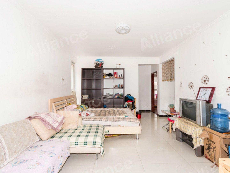 盛世家園,南北通透兩居,客廳朝南,本滿二有裝修,小區干凈整潔