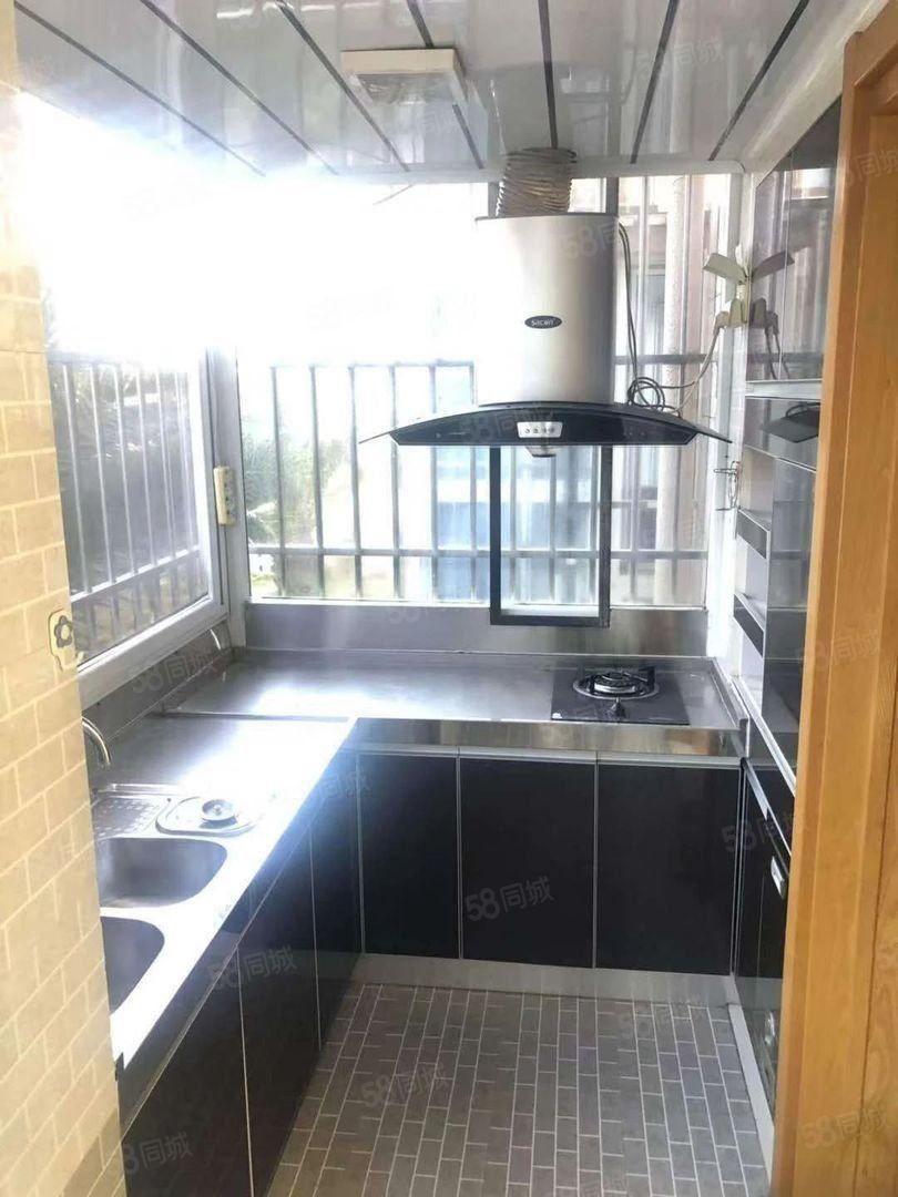 珊瑚苑精装修4室带部分家具澳门金沙平台2楼2200元月