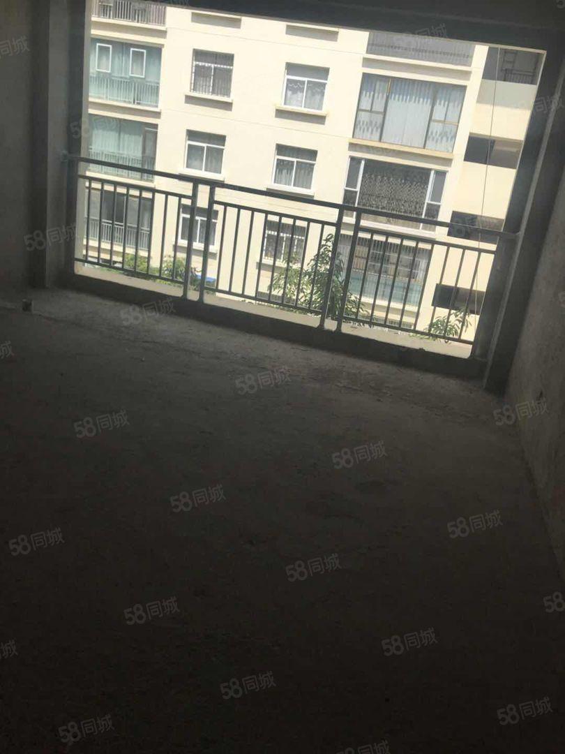 惠民二小旁凤凰雅苑好楼层125.6平毛坯房68万仅此一套