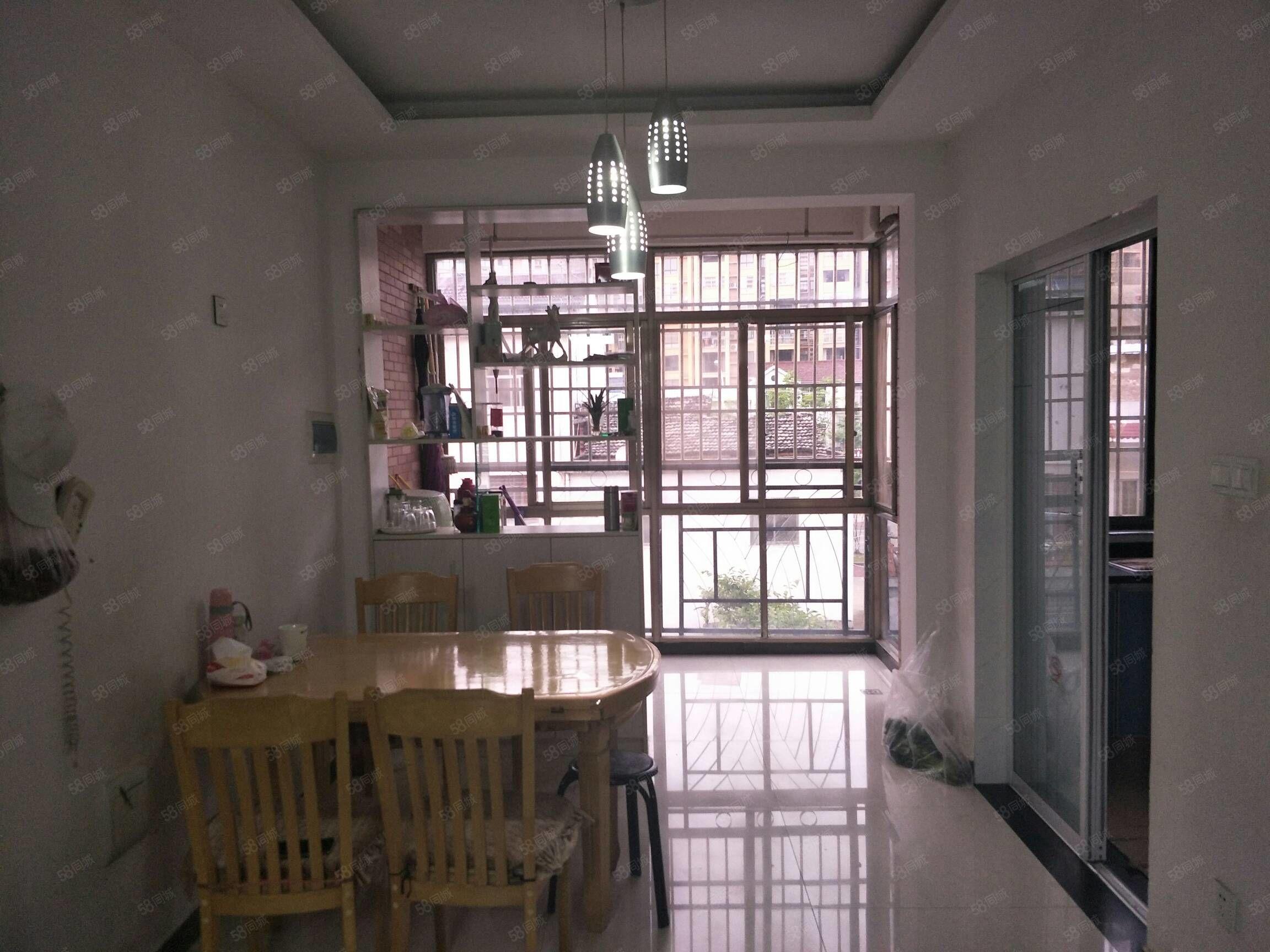 陽光城三室兩廳117平米簡裝3樓證全113萬