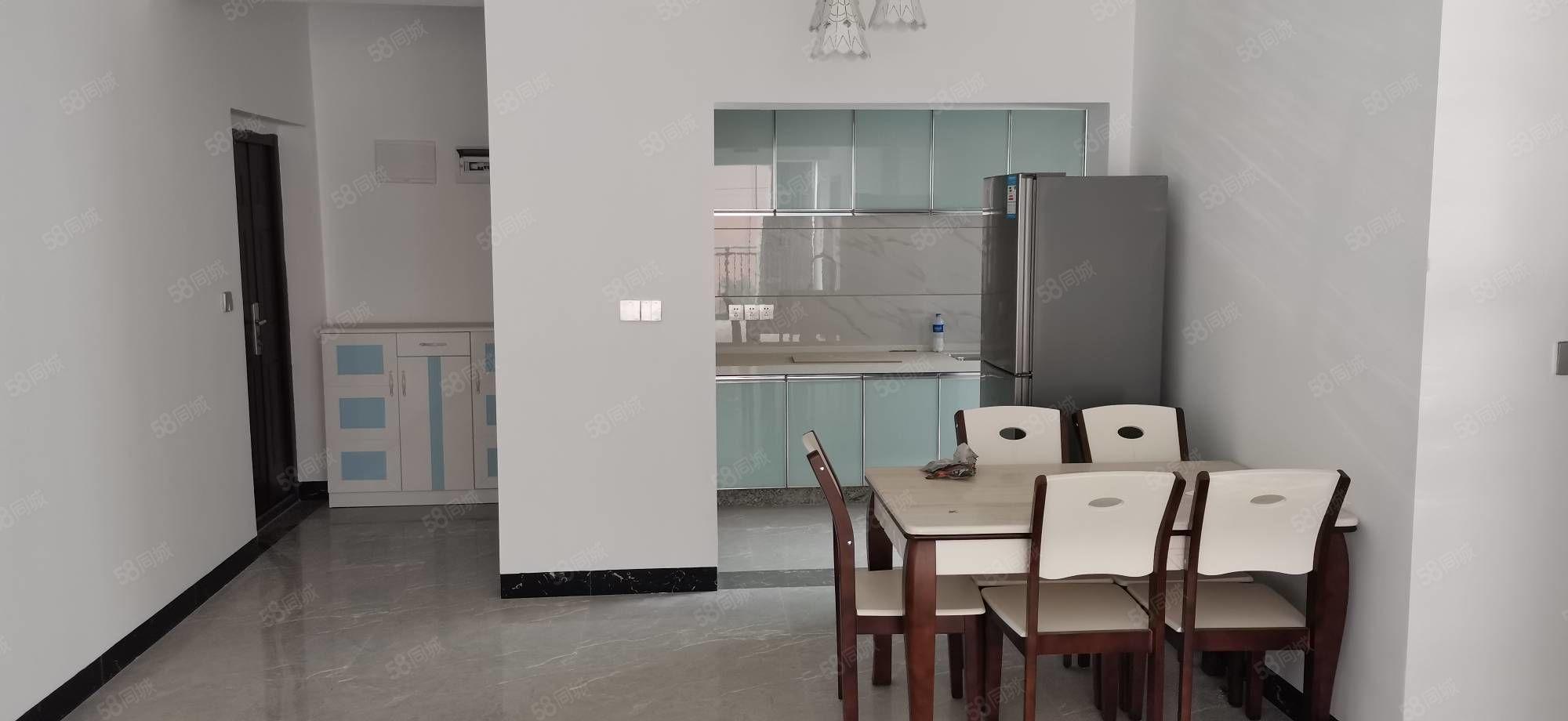 金鉆金洲三室兩廳兩衛打包出租家具齊全新裝修帶上私人用品可以