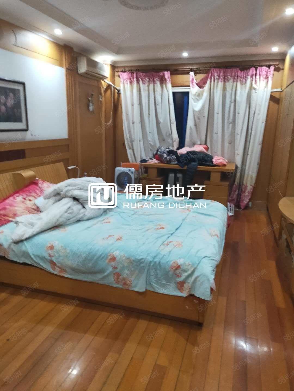整租便宜文化西区超大平方3室2厅2楼租1万5一年