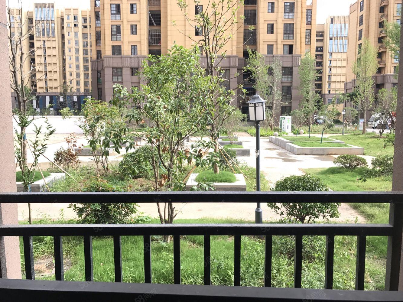楊莊花園1樓,3室2廳1衛,130平米,毛坯房,看房有鑰匙