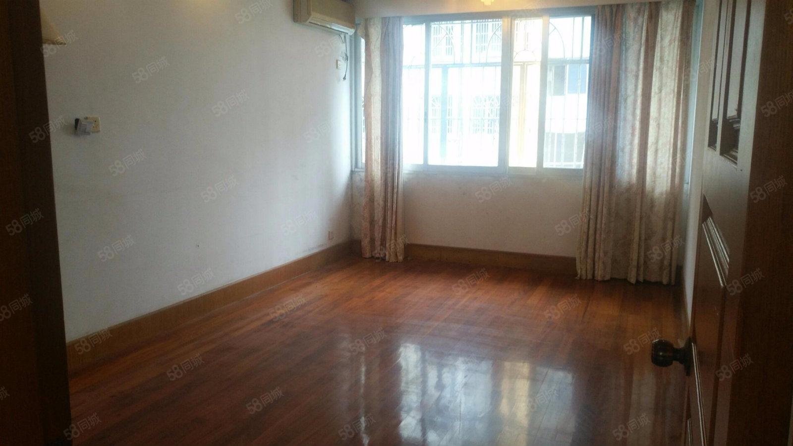 明珠新村好房出售,全天采光,周边设施齐全,房东诚意出售