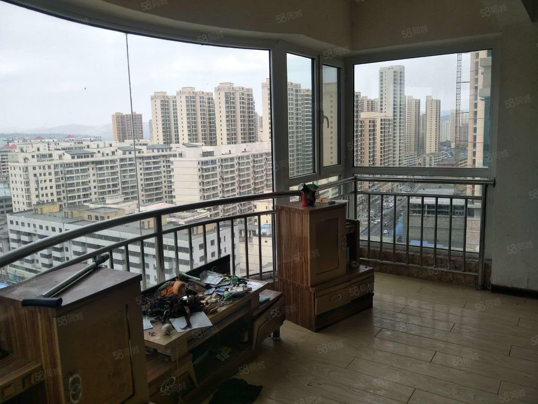 廣場附近崇德大廈電梯高層三室兩廳兩衛采光效果好急用錢售