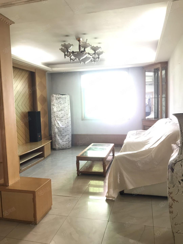 咸阳湖畔,秦宝小区,三室两厅一卫,3楼,南北通透,拎包入住