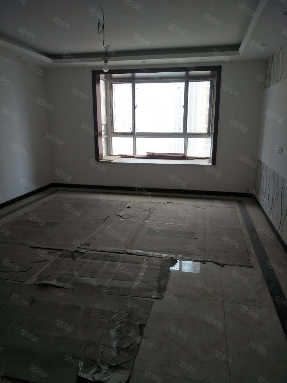 世纪大道渭滨苑大四室新装修可全款可按揭