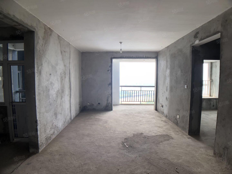 江边2室。无敌江景视野。价格实惠。可按揭