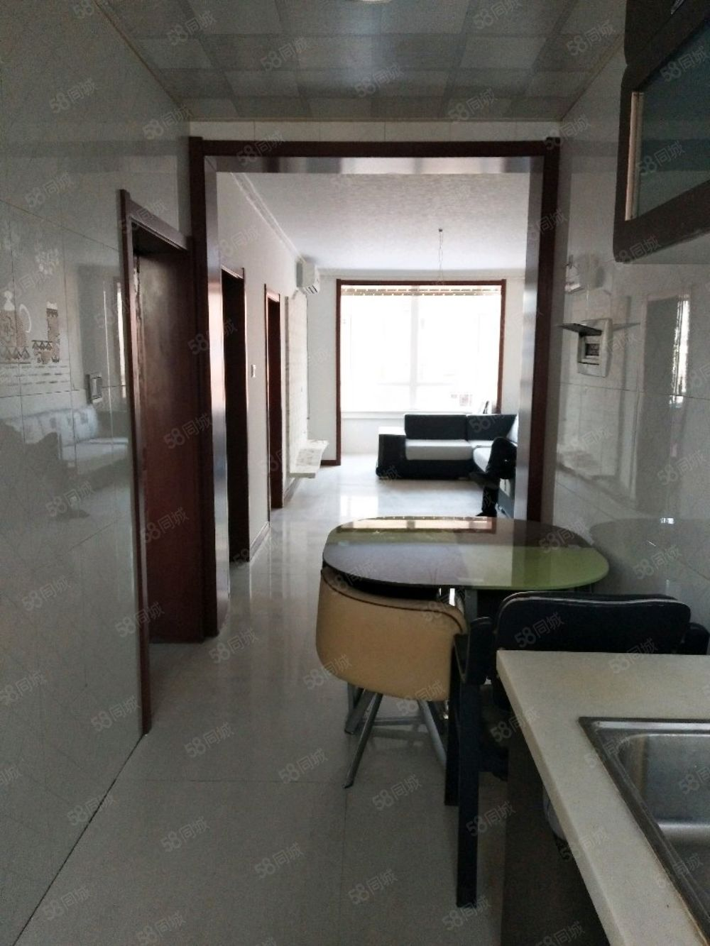 一小四中附近,3樓80平28萬,兩室一廳,拎包入住,可貸款