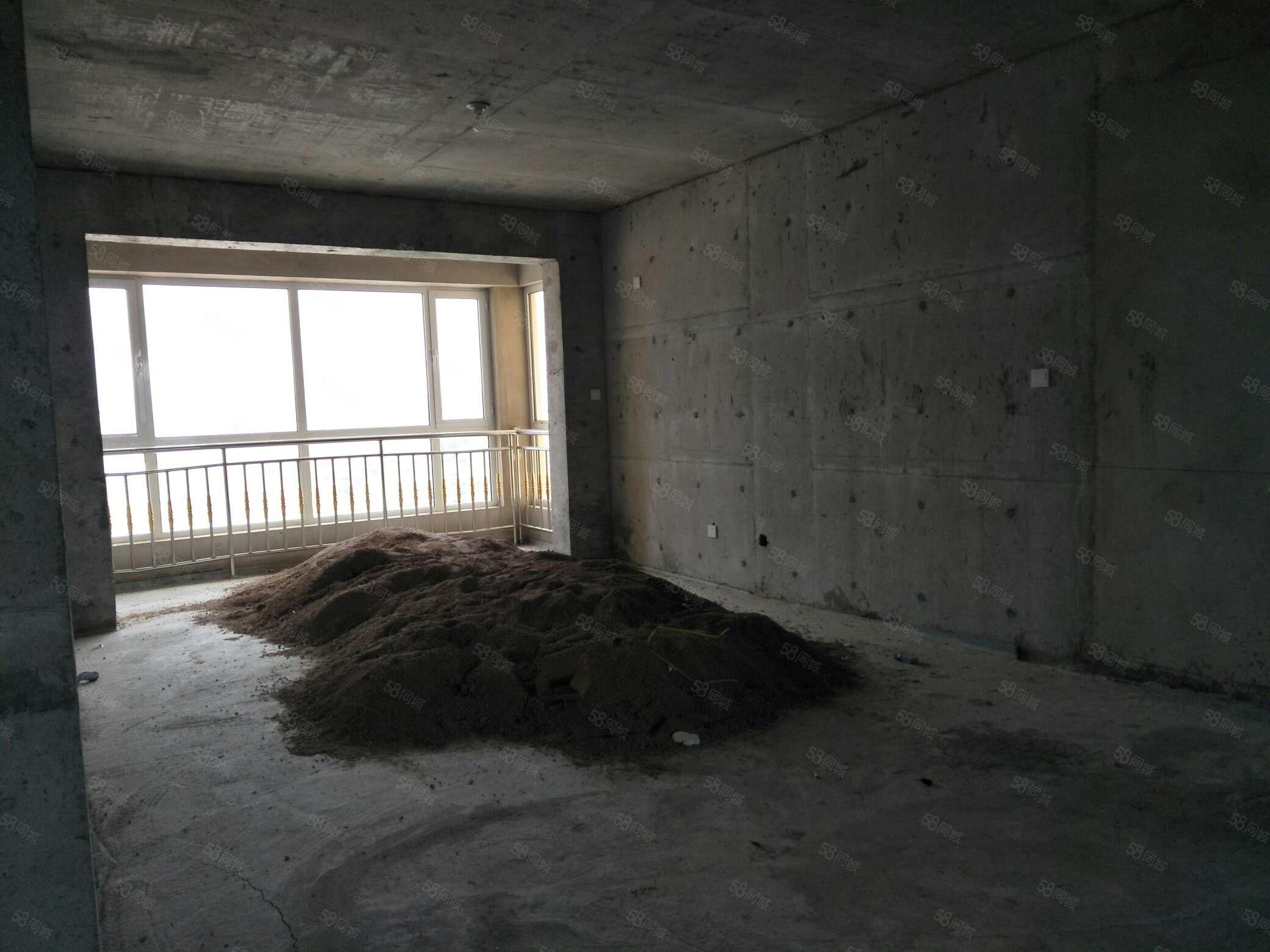 要在外地购房现出售此房源,城市地标楼房,