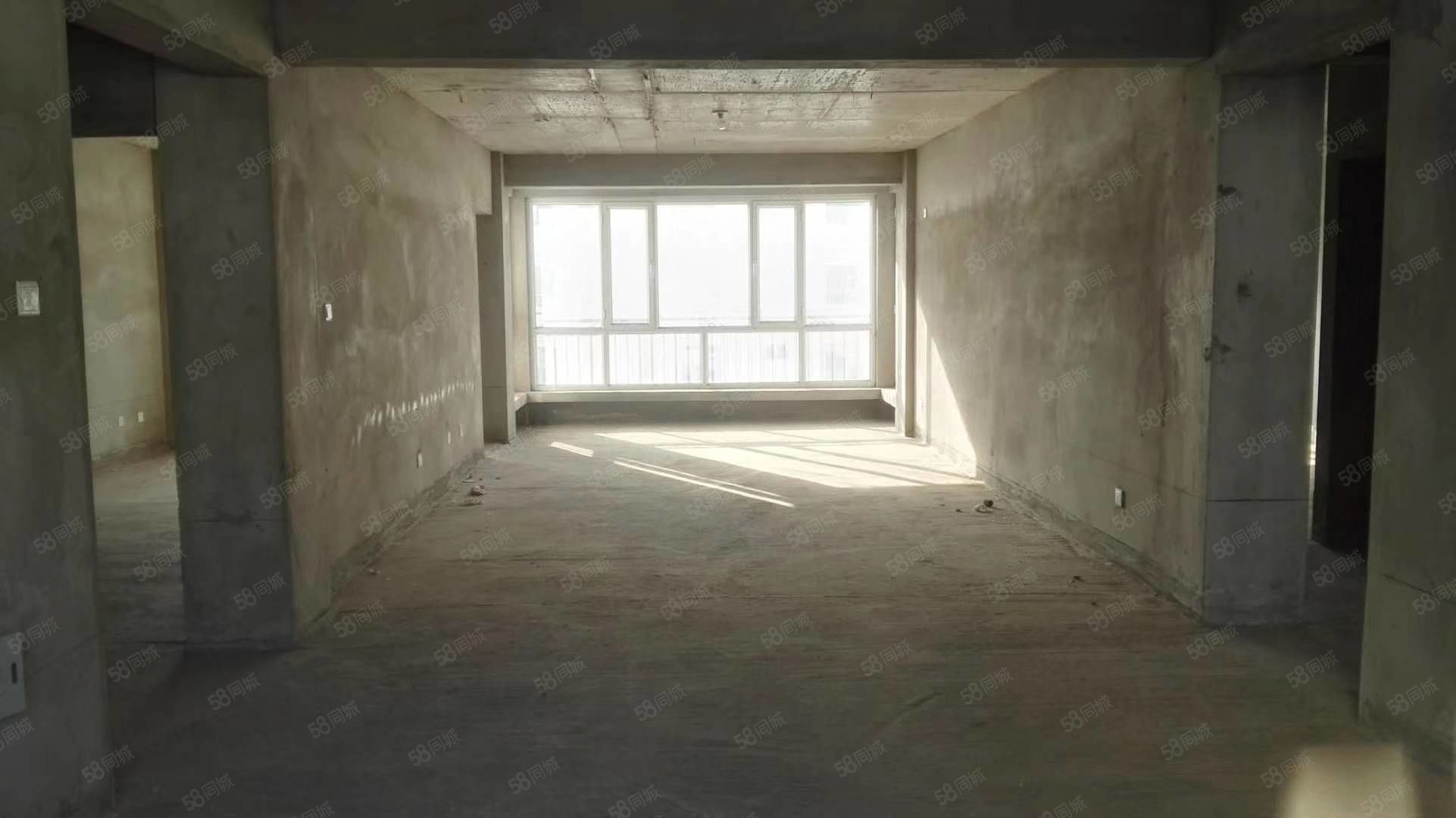 金裕景苑6楼,134.39平米,毛坯房,68.3万按揭
