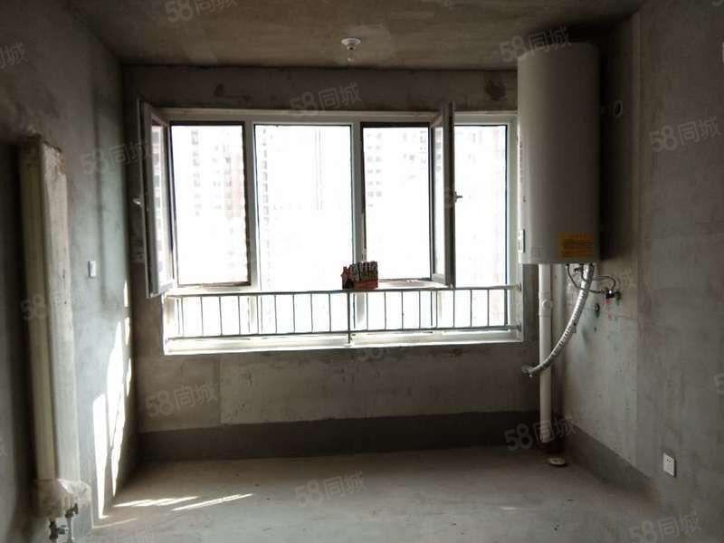 鲁商凤凰城三室102平小户型紧邻银座和谐广场可按揭