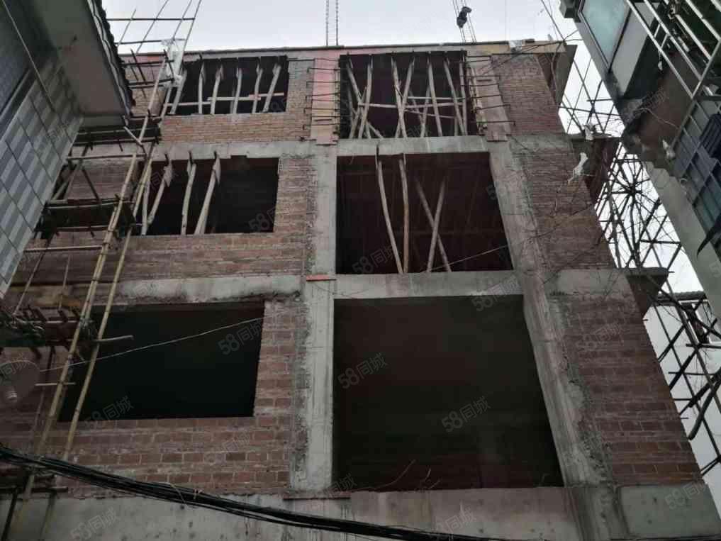 阳朔县城中心地段,舒适2房。还有2.3.4.5.6楼可售