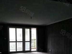 姚家荡片区,一楼带院子电梯洋房,送车位和地下室,房东急售