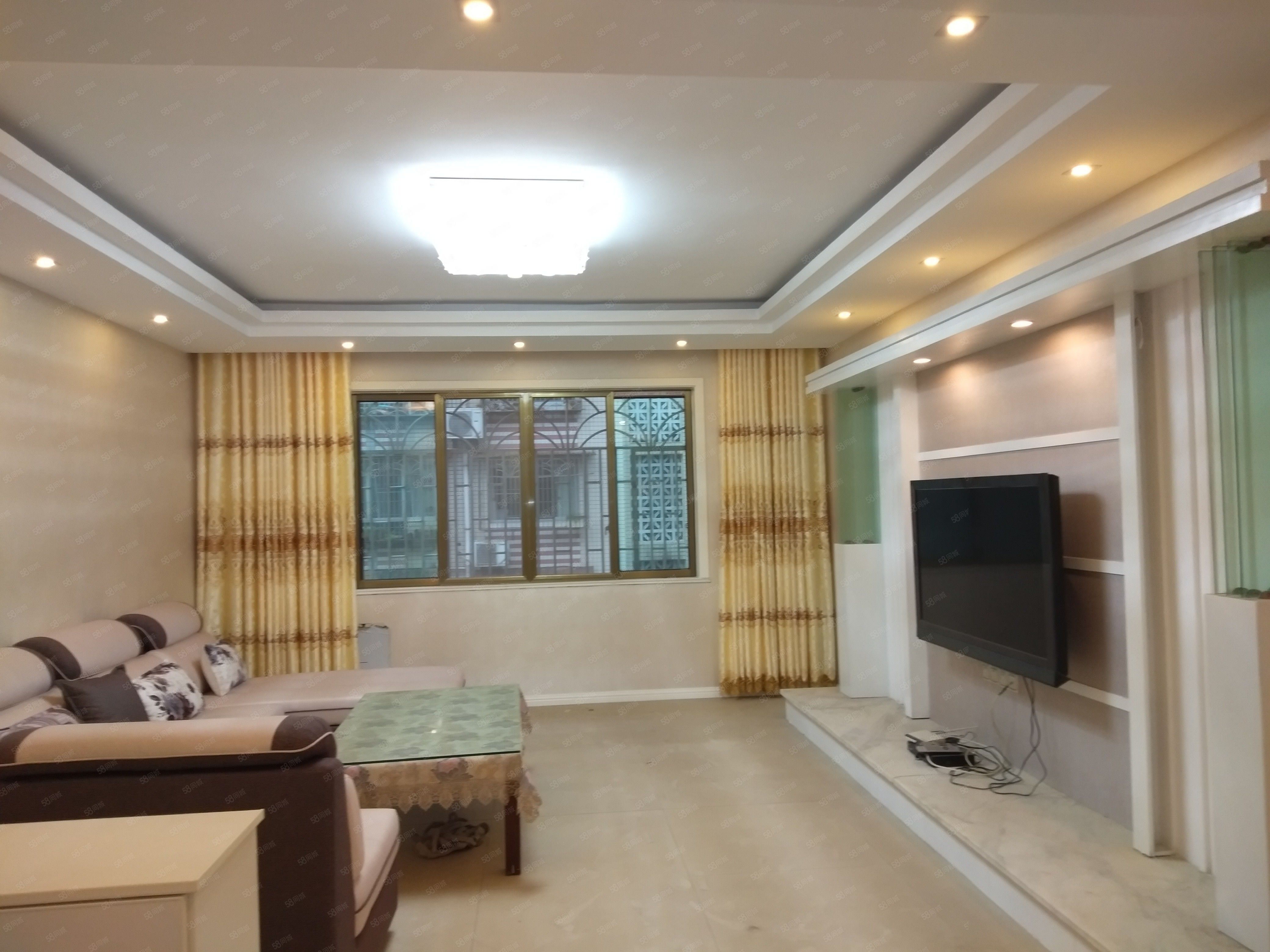 蓮峰公園旁3樓143平米3樓精裝3室2廳1衛標價69.8萬