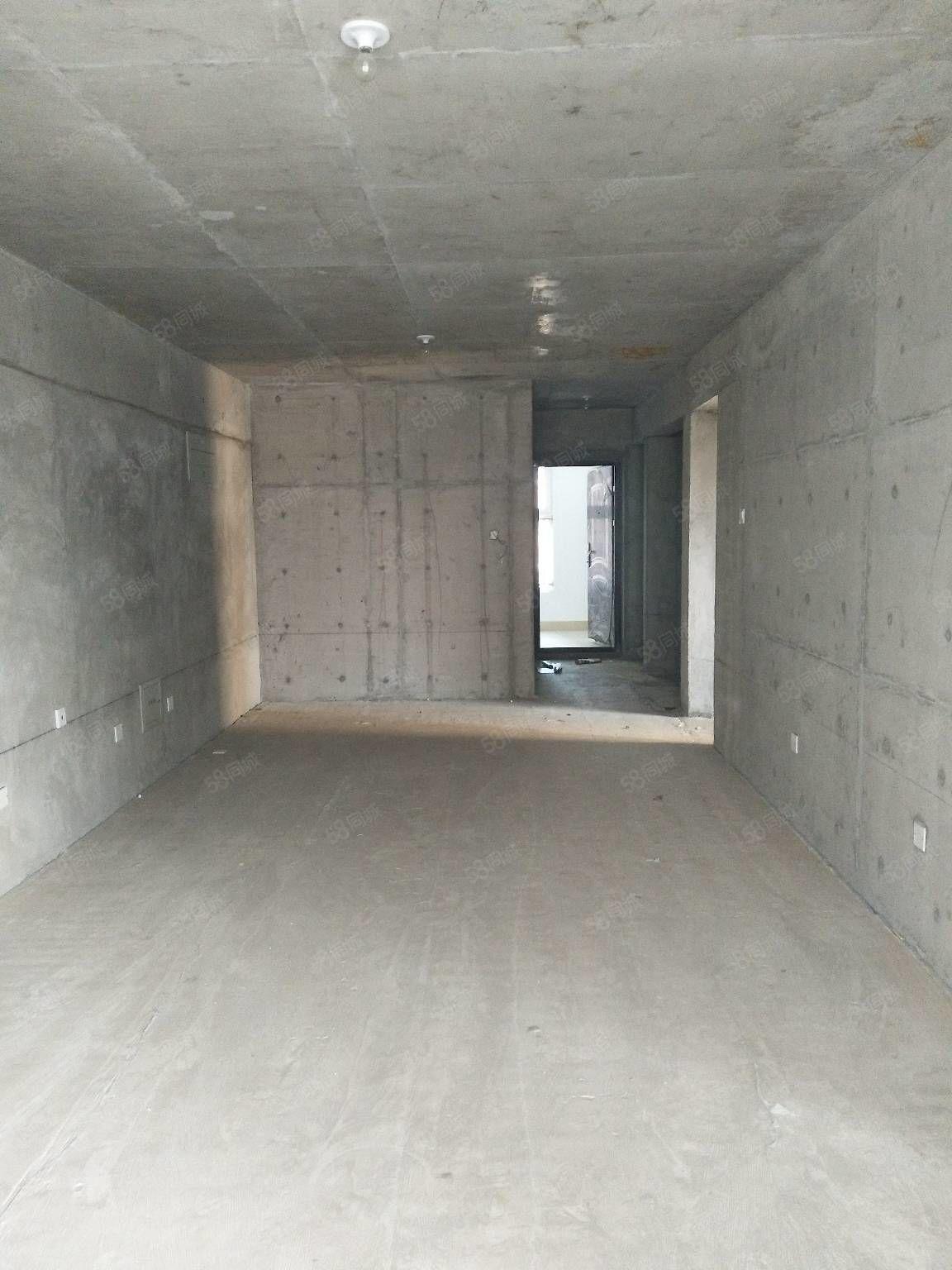 南库电梯房已收房,83.31平米,7800平米