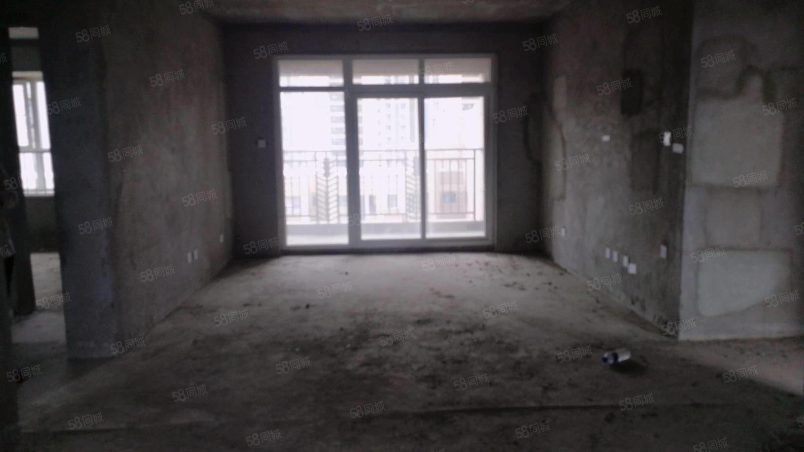 高铁附近天鑫现代城三室毛坯可贷款随时可看房