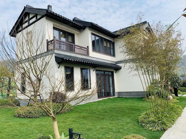 莫干溪谷70年产权的第批房源,精装修,价只要210万!