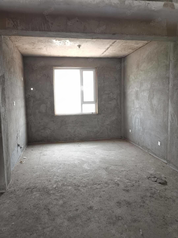 杏花苑5樓101平閣樓75平毛坯50萬送地下室直接更名