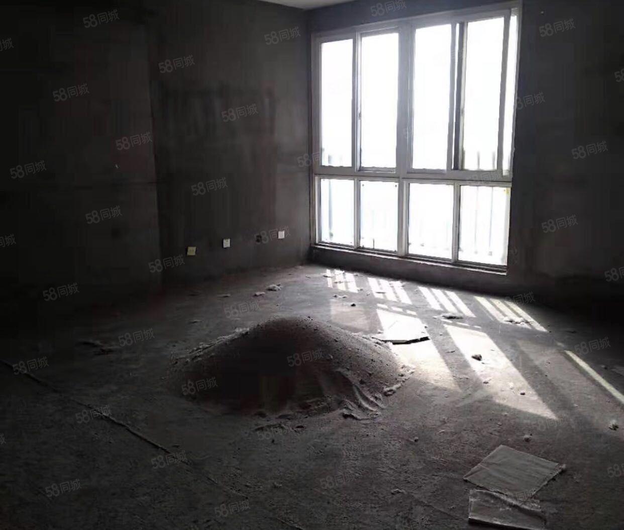 文林路大社区日月星城文林学校旁3室毛坯电梯中层