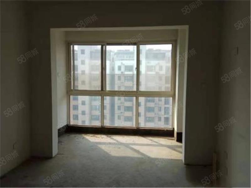 苹果花园10楼,3室2厅2卫,毛坯房,送储藏室,可贷款