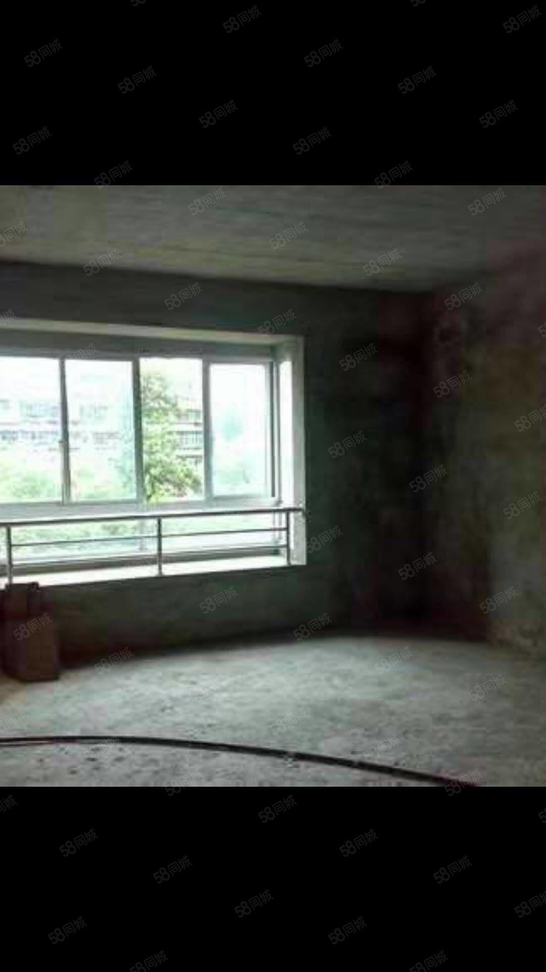 加州锦城  顶账楼房  7200一平 小三室