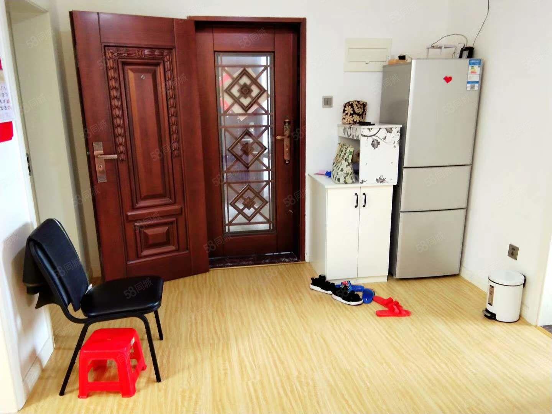 房�|�Q房急售,看房�S�r。高�n�b修,送全套家具�