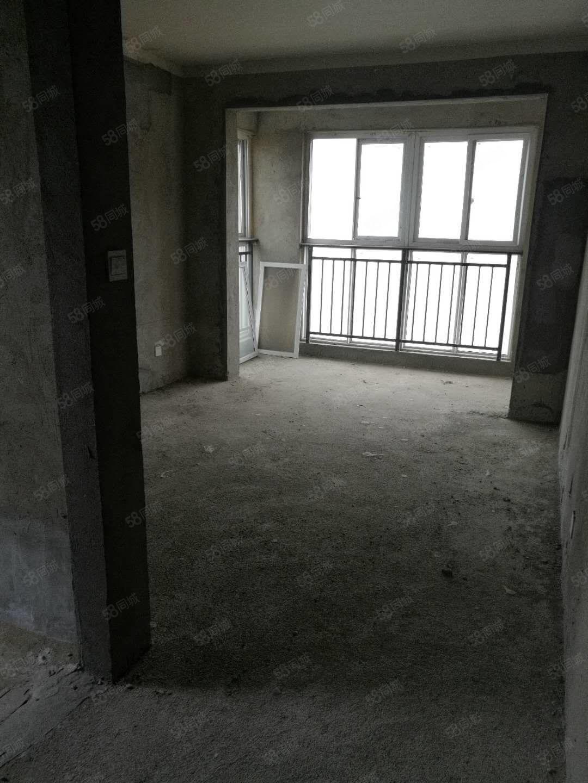 东新区景园盛世华都毛坯3房双卫业主急售