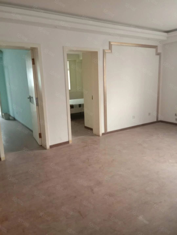 两室一厅,送二十平的大储藏室