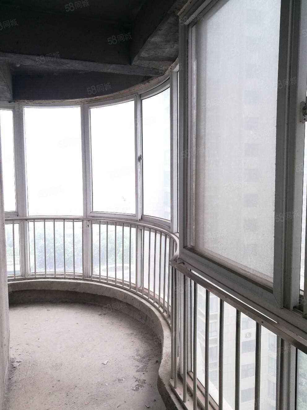 湛河旁老衛校金域藍灣11加12復式挑空客廳南北通透弧形陽臺
