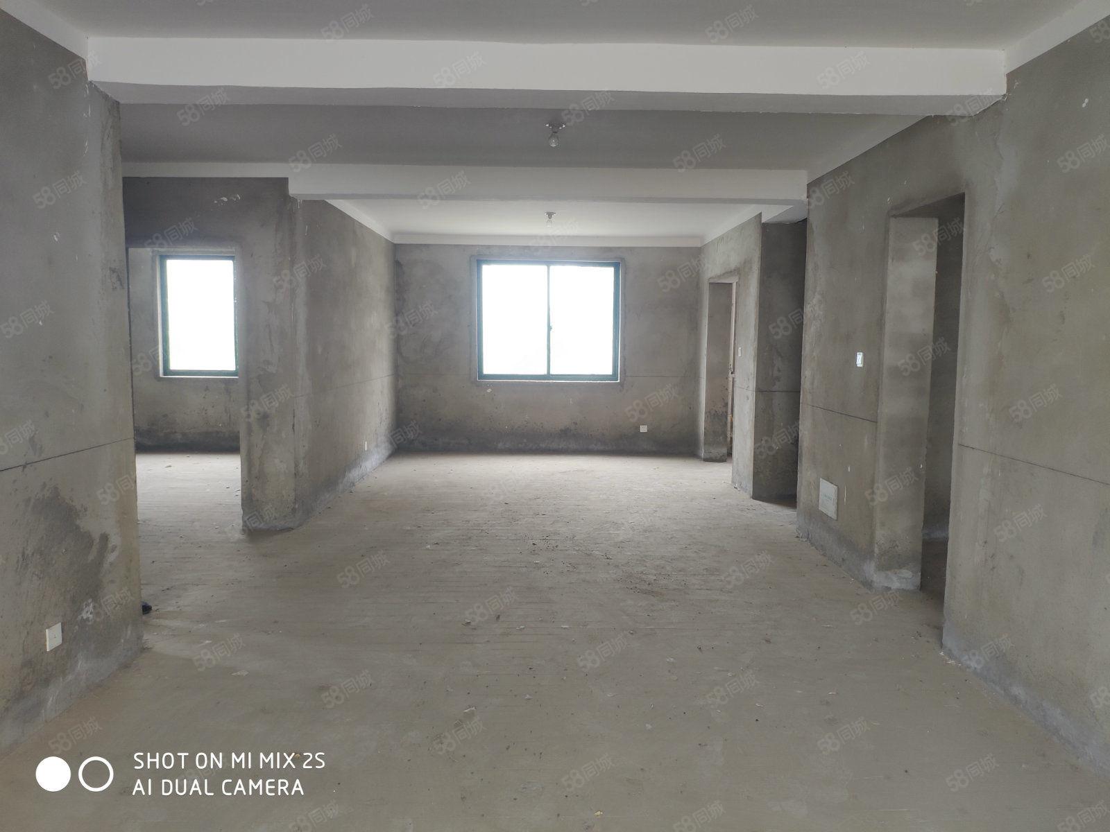 森海豪庭,南北通透大三居,送大车库和储藏室,均价4300