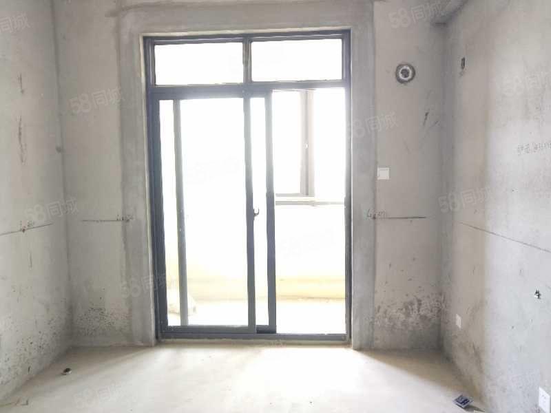 光辉乾城大润发商圈二附小学区可改3房自行装修视野开阔
