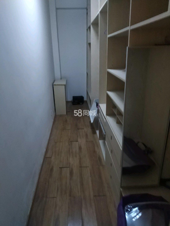 威尼斯商业街2室1厅2卫