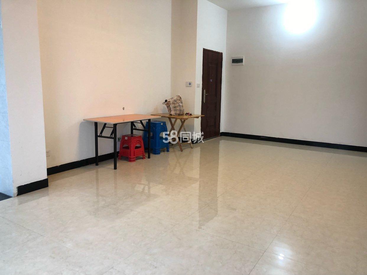 榕江县老城区2室1厅1卫