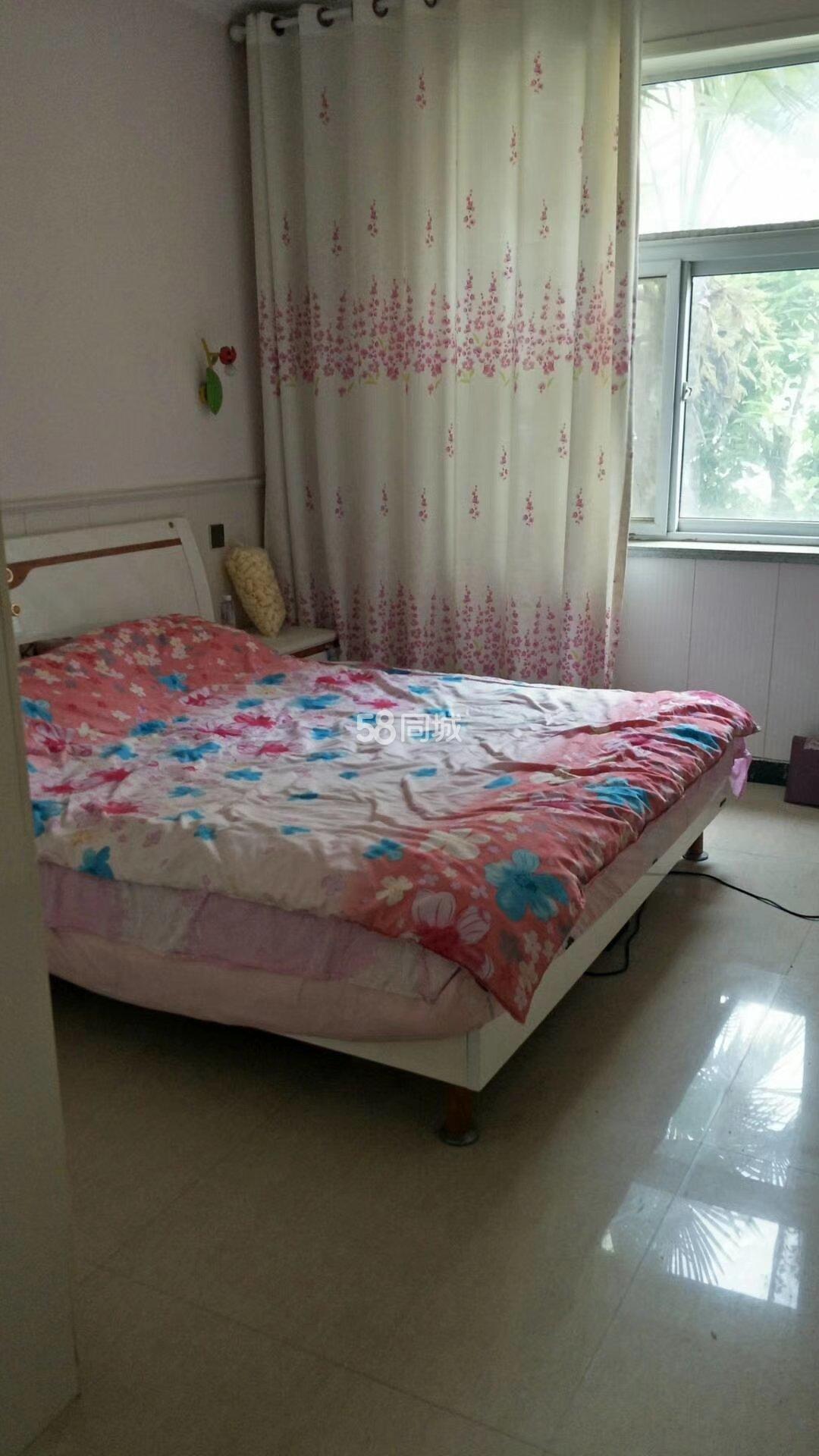 鑫硕小区3室2厅2卫