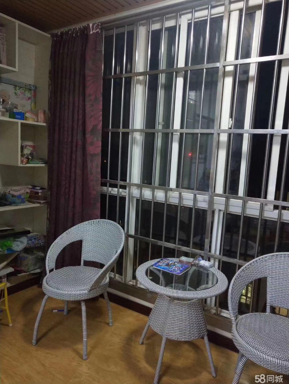 龙泉时代新城2室,99平,精装,可按揭