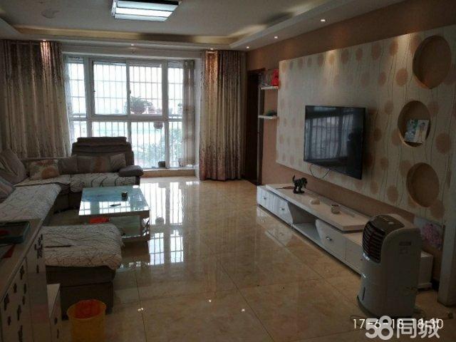 天伦嘉苑3室2厅2卫带20�O车库65万。杜康大道西段