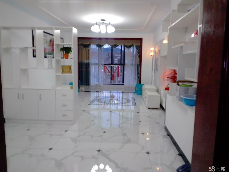 信邦城精装修房屋出售了,刚装修一个月,家具齐全