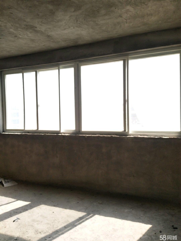 阳光好,无遮挡。大阳台。布局合理。低价出售