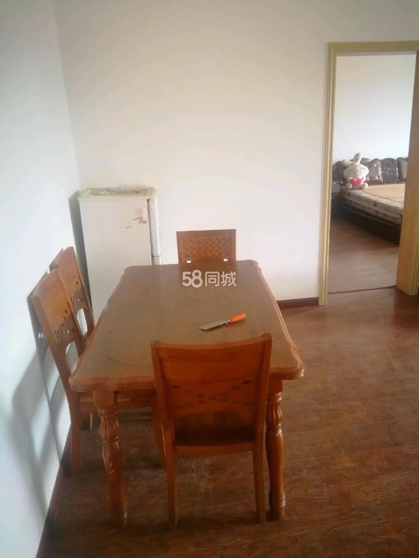 食品公寓3室2厅1卫