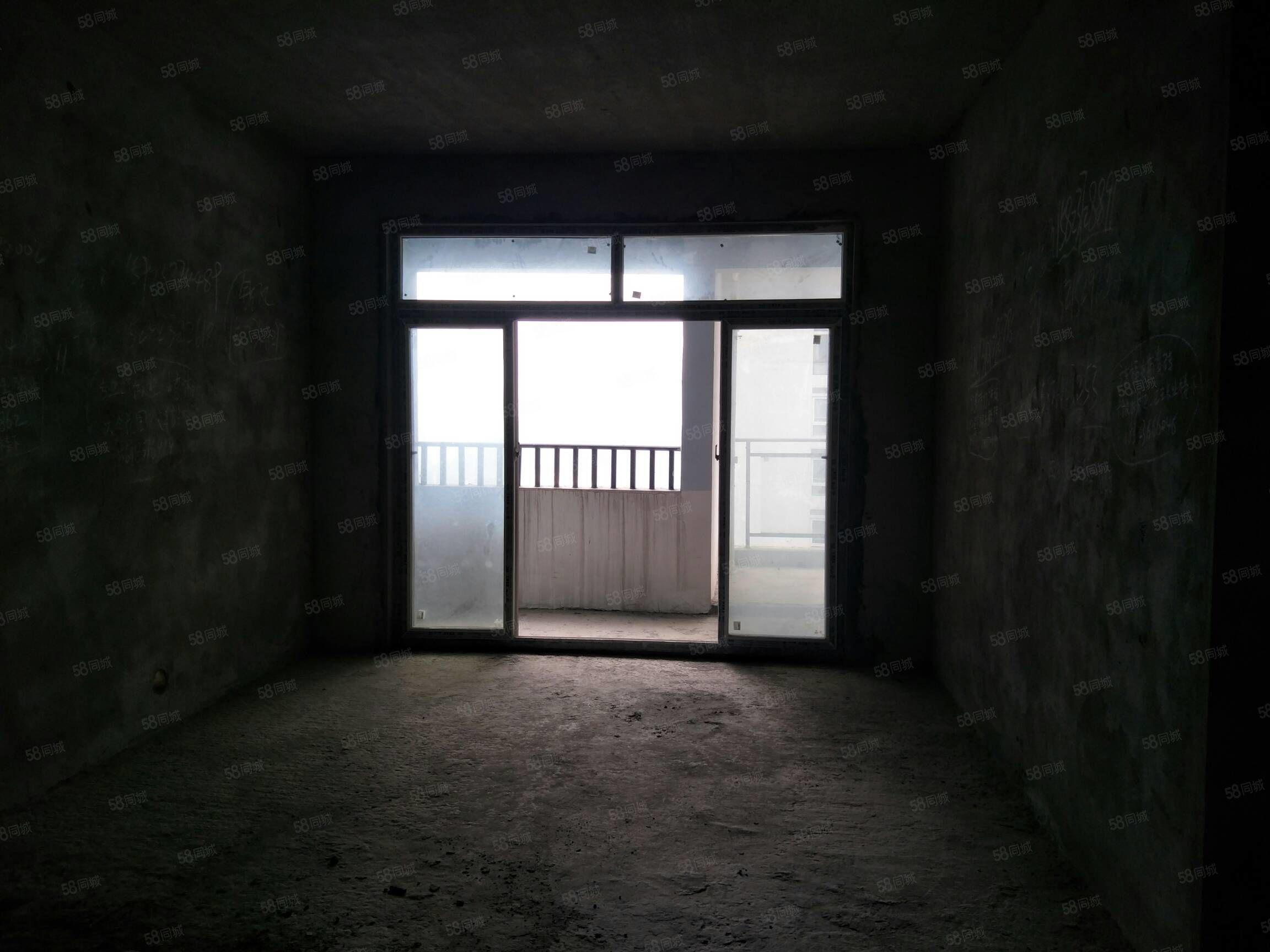 皇华三千里,清水小三房,87平米,户型端正,45万出售