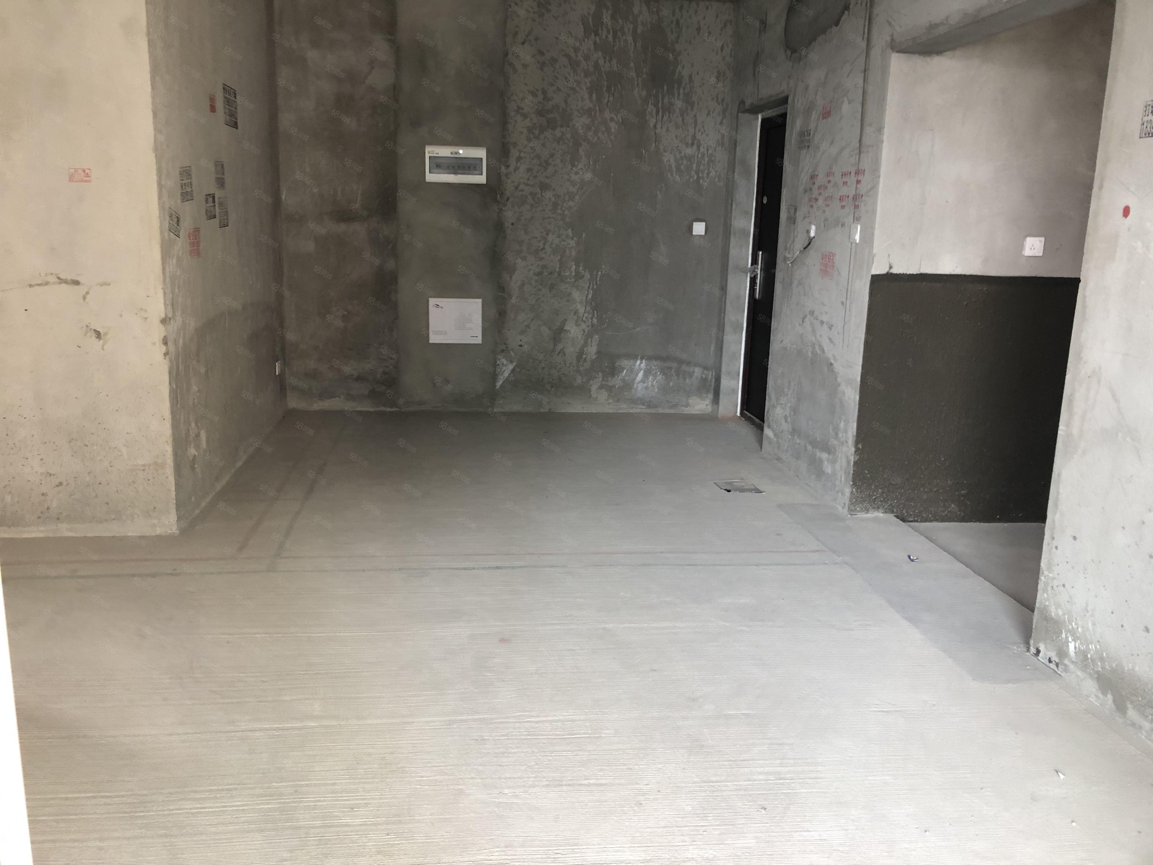 河东万达旁中铁熙苑毛坯三房电梯中层有钥匙