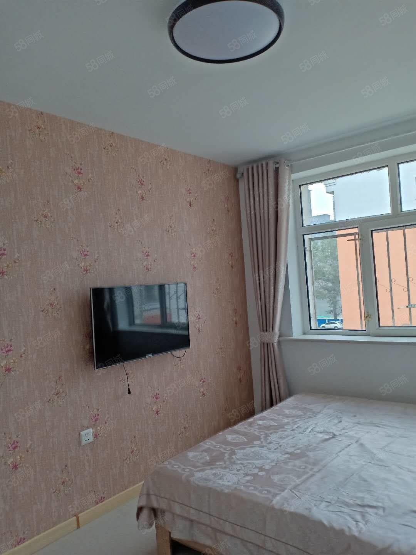 新合4樓西相兩室一廳拎包入住隨時看房歡迎致電