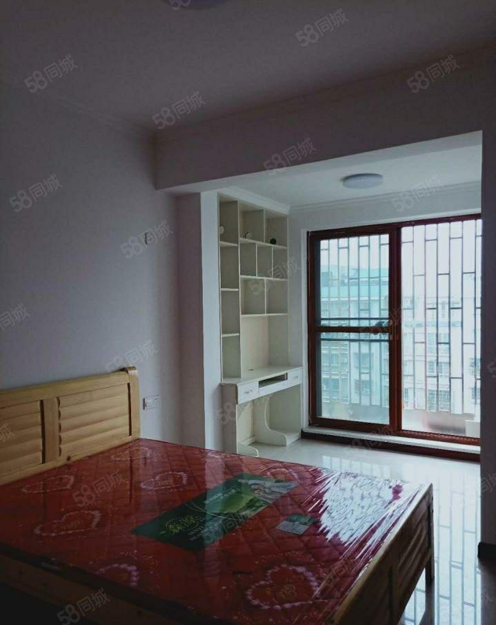 蓝波湾精装小两室,家电齐全,电梯房1000每月!!!