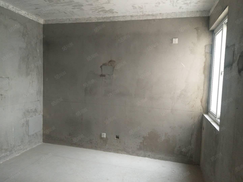 水岸花城毛坯4室2厅2卫复式楼产证全可按揭靠大润发