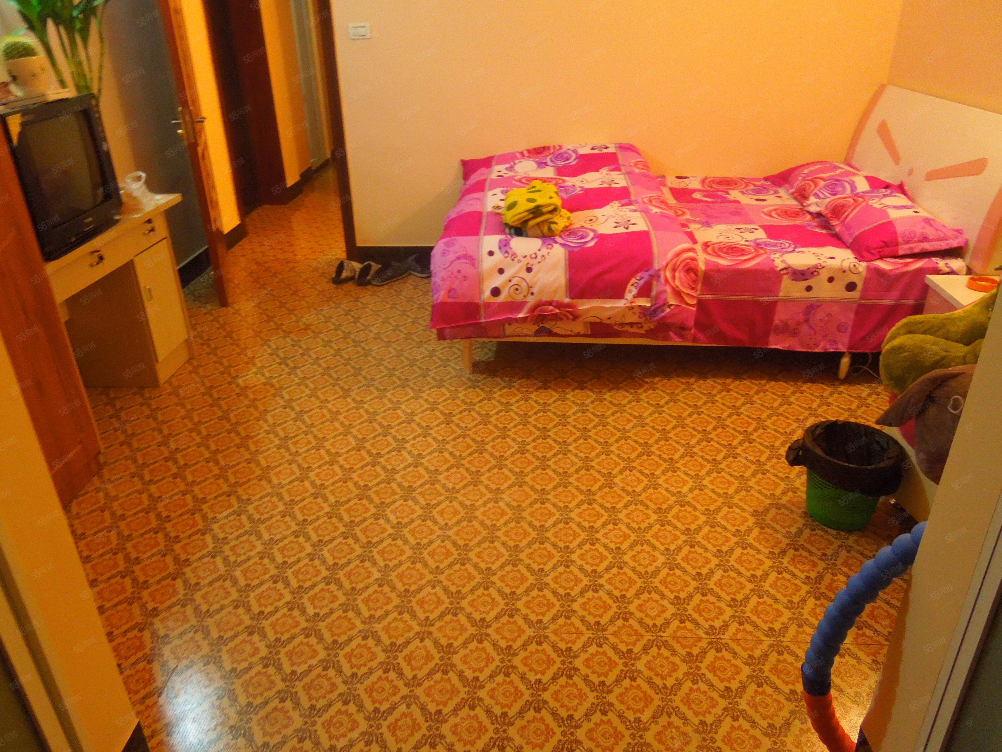 金滩德克士后面温馨公寓房,带独立厨卫空调,长短租都方便!